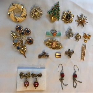 Accessories - Vintage brooch pins, earrings and ring